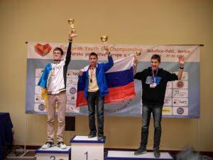 Крушельницький Валерій (зліва) - срібний призер ЮЧЄ до 16 років